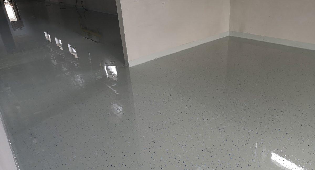 Liata čipsovaná podlaha – Pekáreň Levice